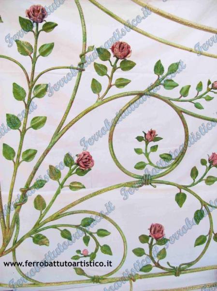 Grata con rose arredamento in ferro battuto for Grate in ferro battuto immagini